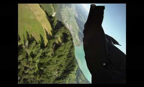 Jeb Corliss Volando la Grieta